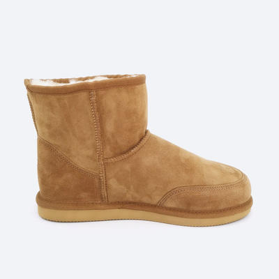 quality classic style genuine sheepskin boots for men